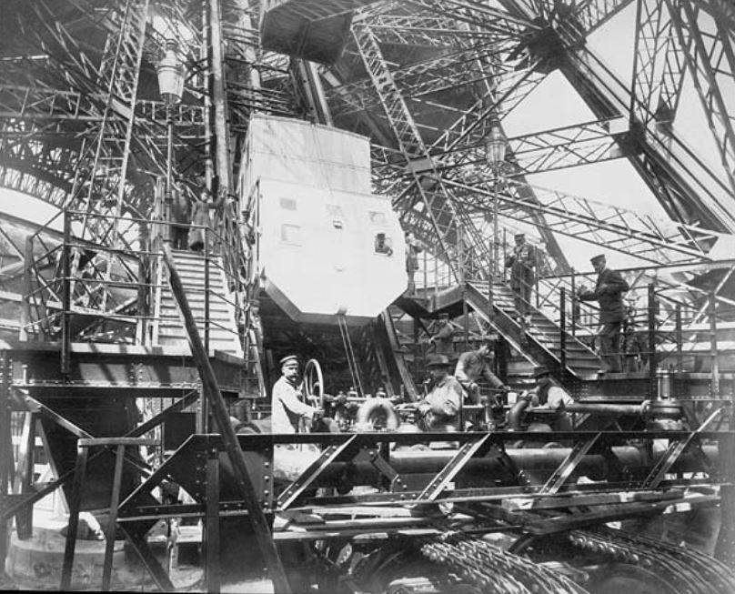 Chantier de la tour Eiffel