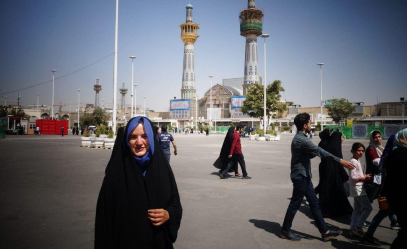 Amélie en çador en Iran
