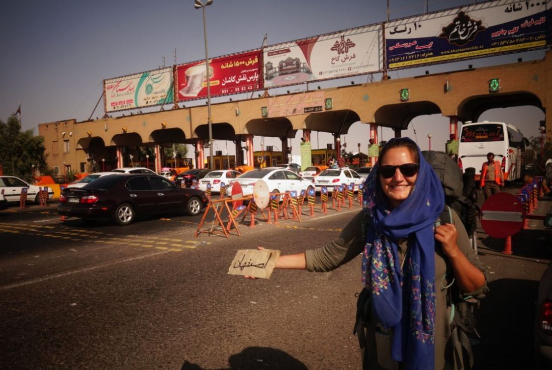 Ameilie faisant de l'autostop : direction Ispahan