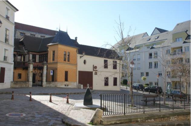 Place Château Gaillard actuelle (photo site internet de Montmorency)