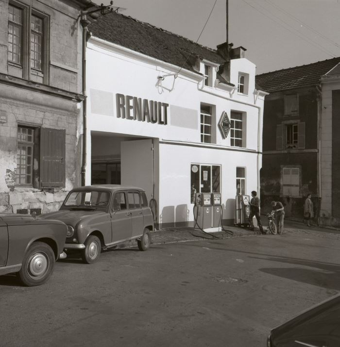 Garage de la place Château Gaillard (studio Plotard - Montmorency)