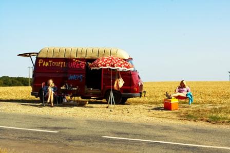 Ludivine Sagnier et Diane Kruger et le camping car