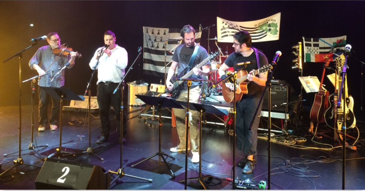 Le groupe AVEL (photo issue du site tamm-kreiz.bzh)