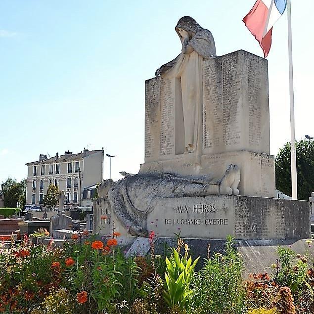 Monuments aux morts à Enghien