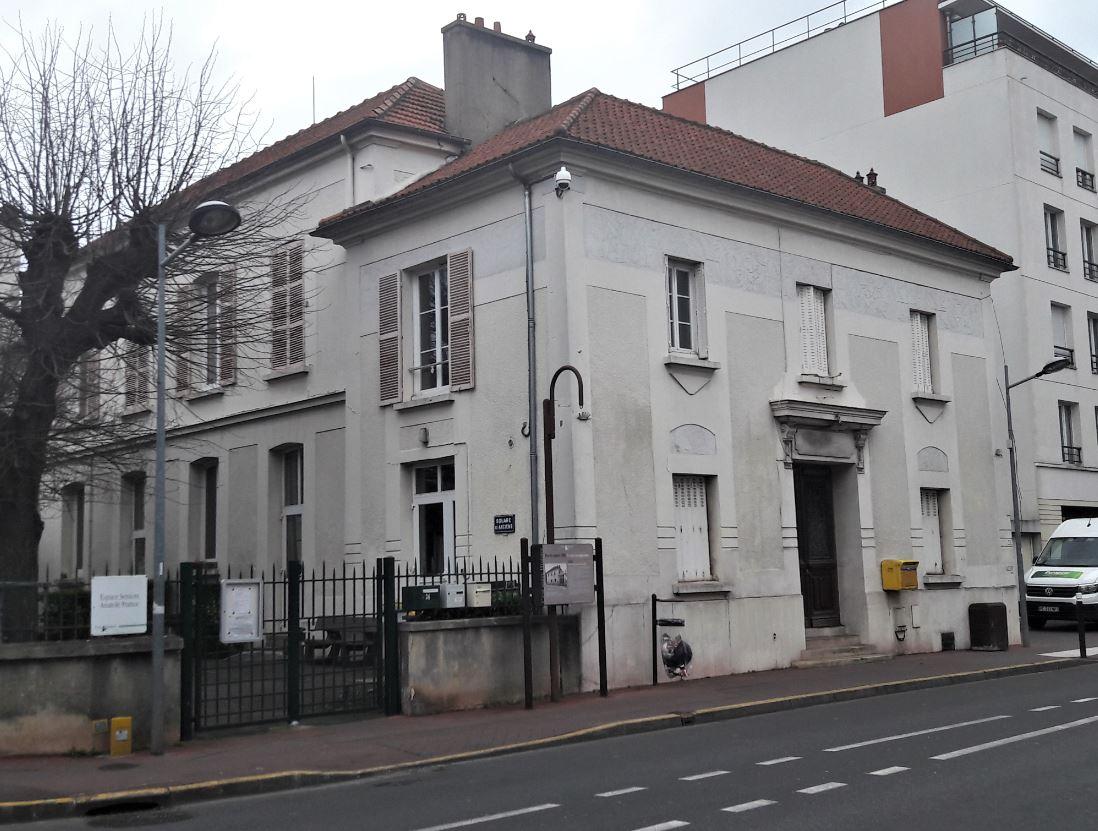 Ancienne mairie d'Ermont devenue Espace Seniors Anatole France