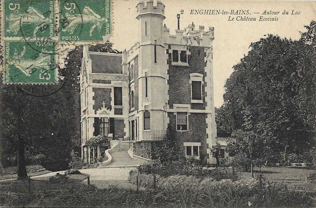 Château écossais - carte postale collection privée J.P. Bousquet