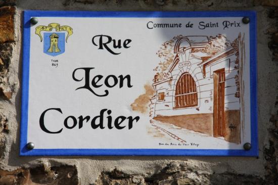plaque rue Léon Cordier (photo Gérard Bourse)