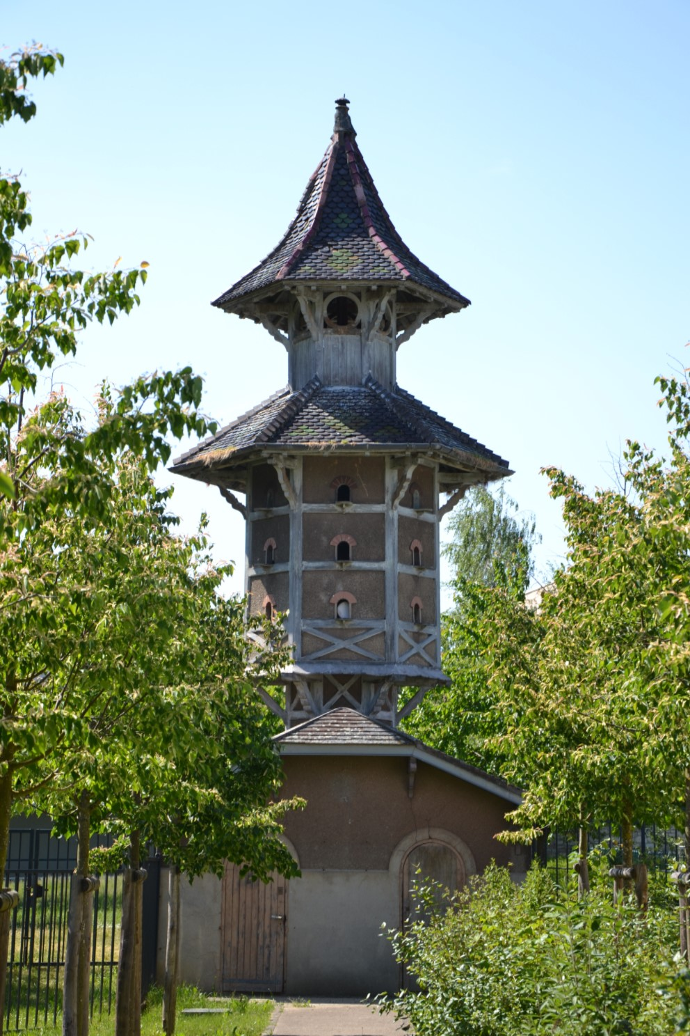 Pigeonnier du Château du Val Joli à Eaubonne
