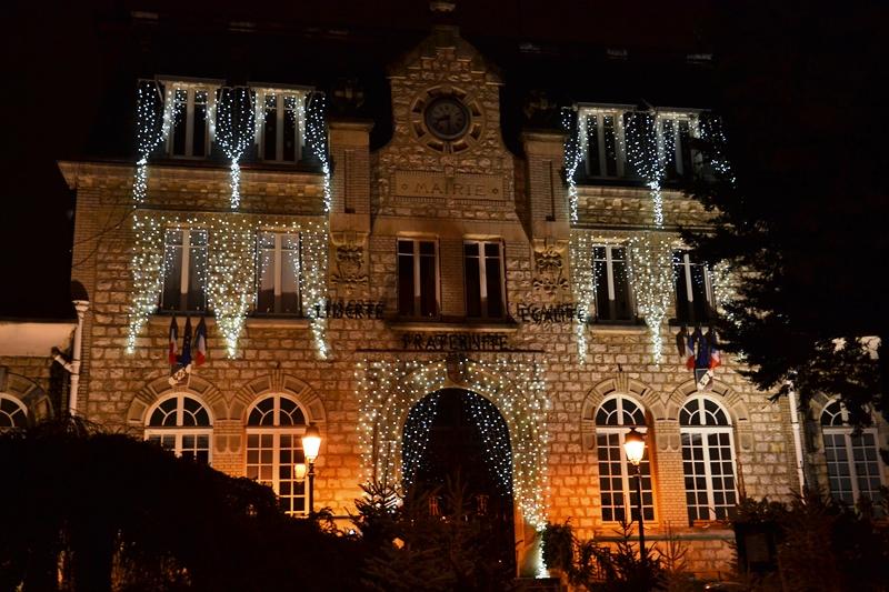 Mairie de Saint-Gratien illuminée !ors des fêtes de Noël