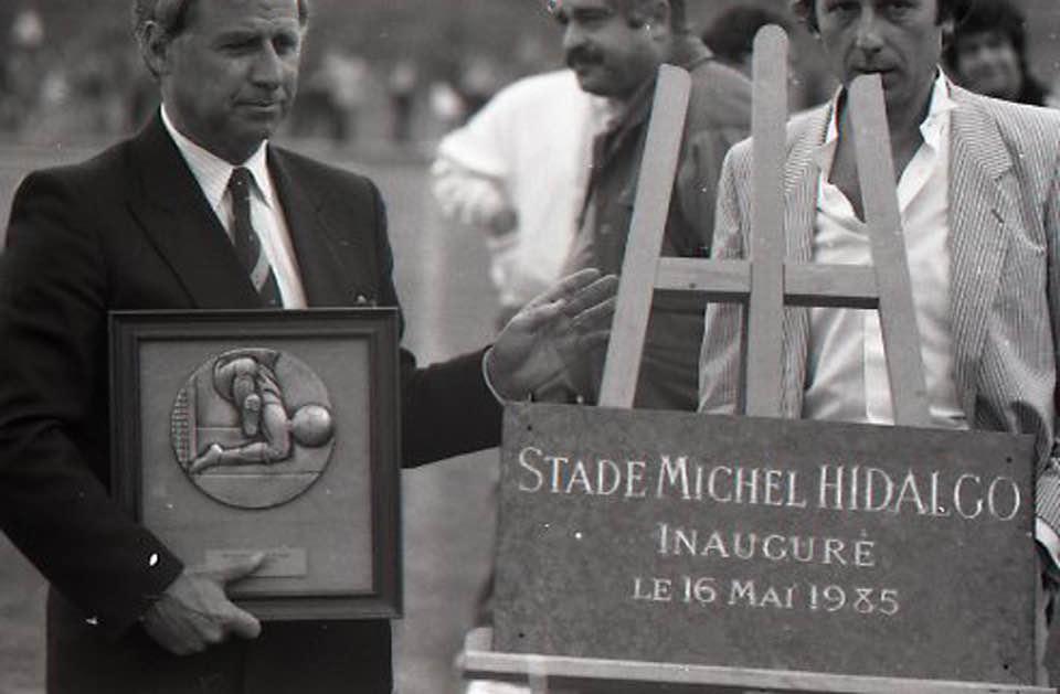 Michel Hidalgo inaugure le stade de Saint-Gratien qui portera son nom.