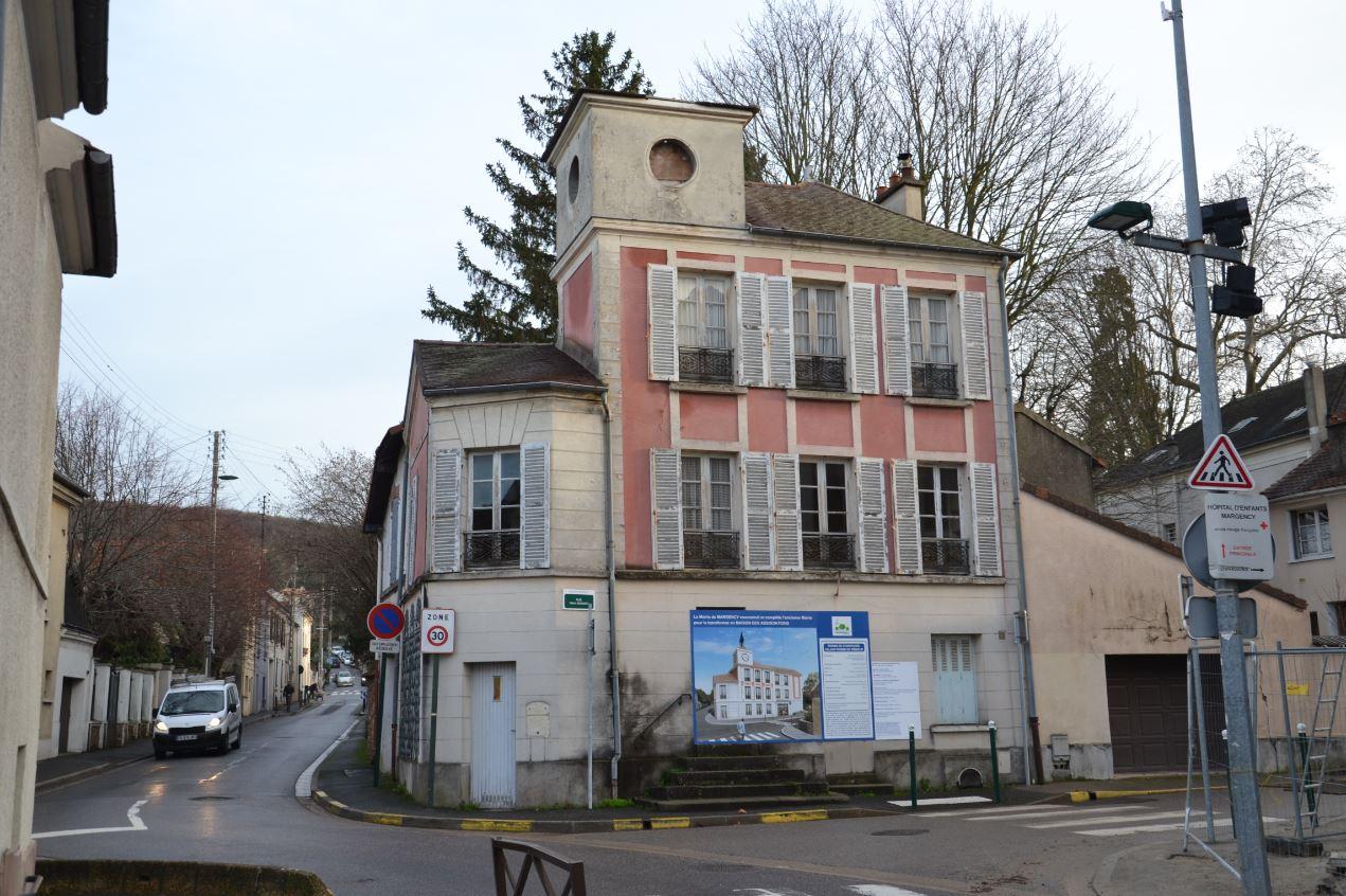 Ancienne mairie en cours de restauration (photo fin 2019)