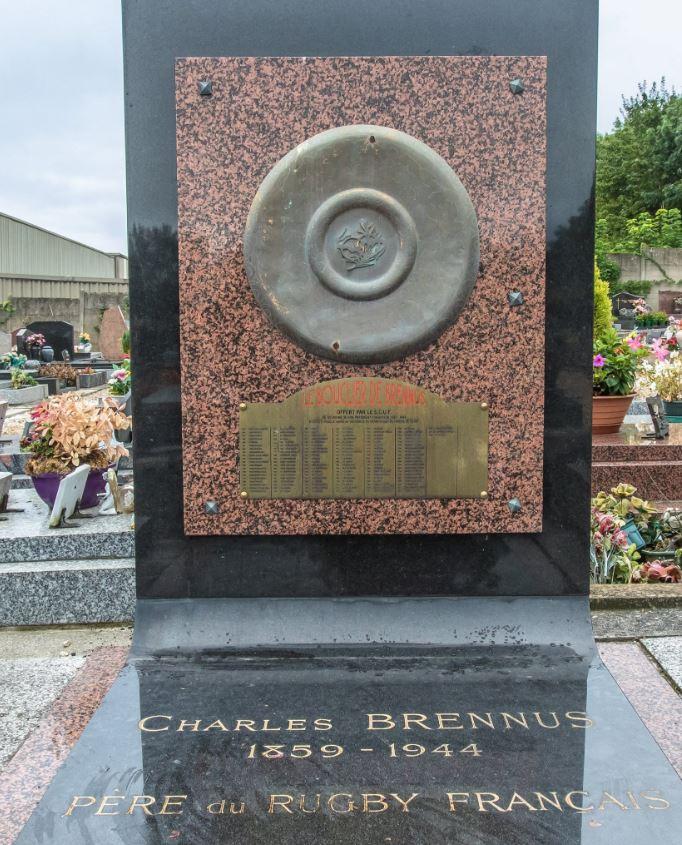 Pierre tombale de Charles Brennus (photo Mairie de Franconville)