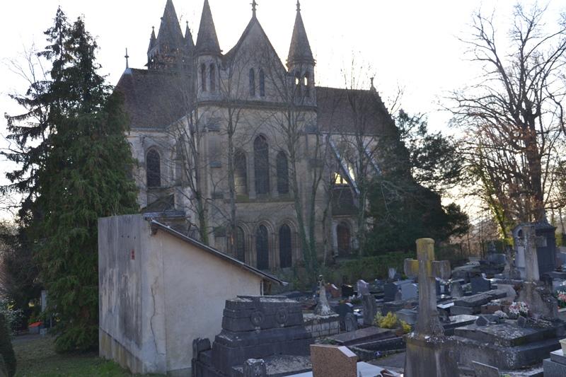 Eglise et cimetière de Taverny