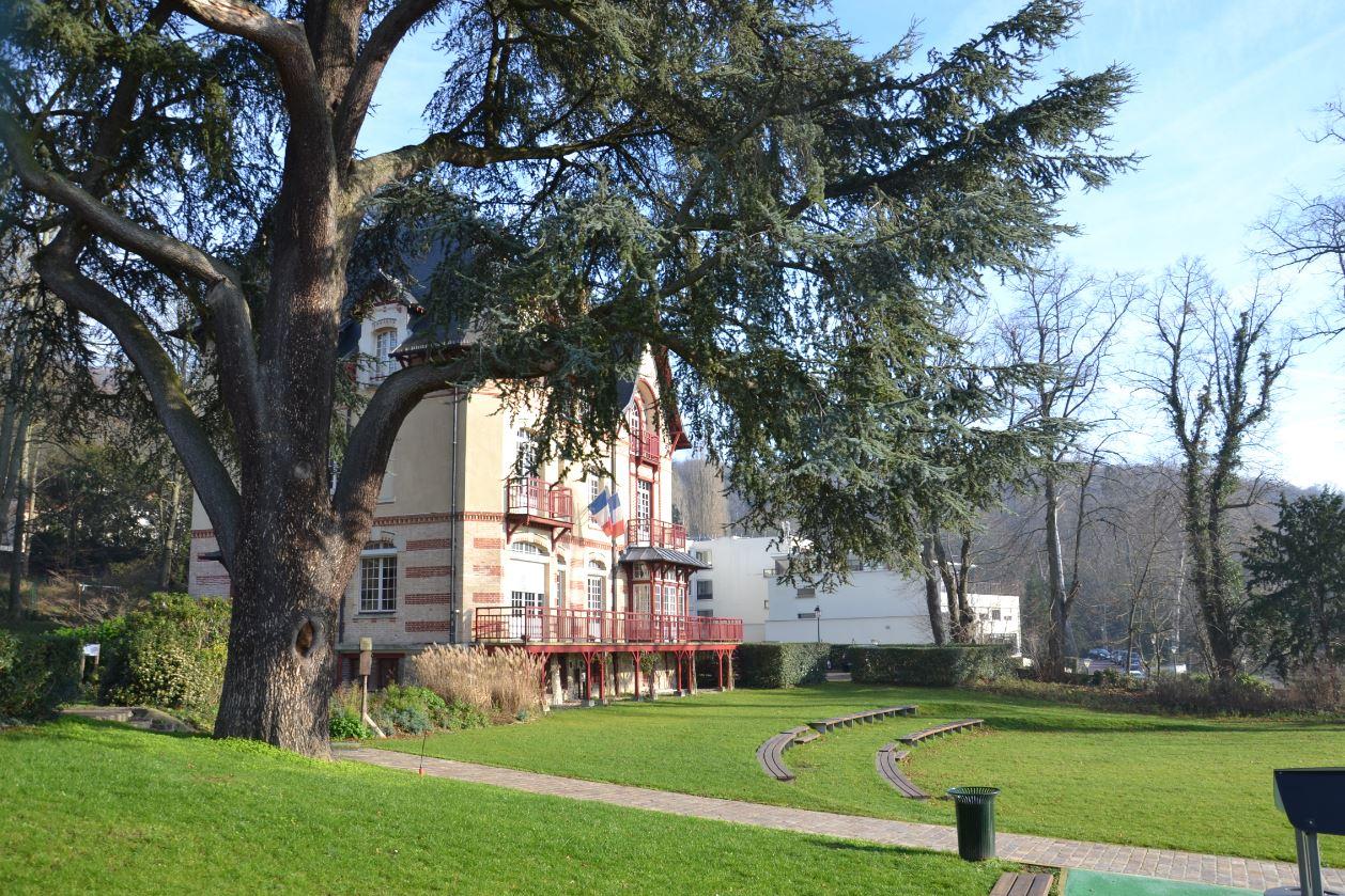 Parc et Mairie d'Andilly
