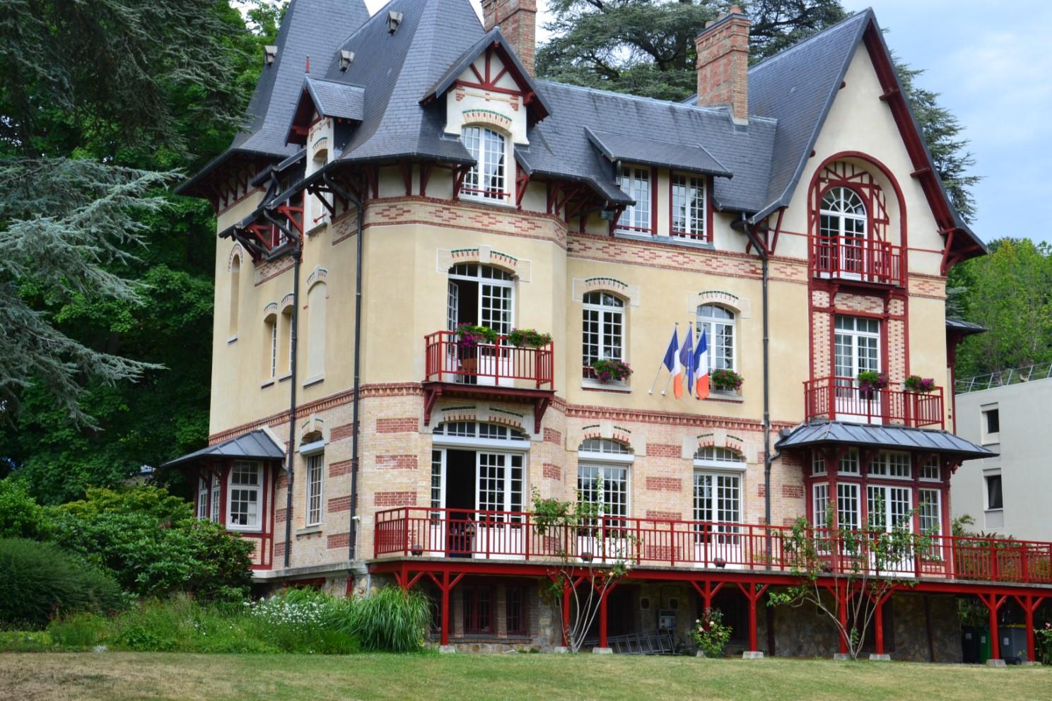 Château des Sources devenue Mairie d'Andilly