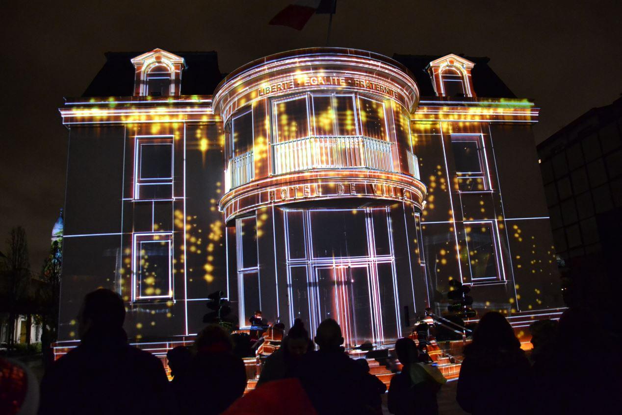 La mairie d'Enghien pendant les illuminations
