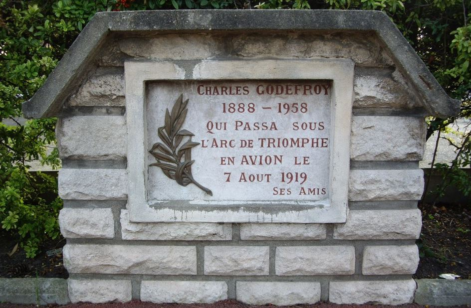 Stèle commémorative à Soisy-sous-Montmorency