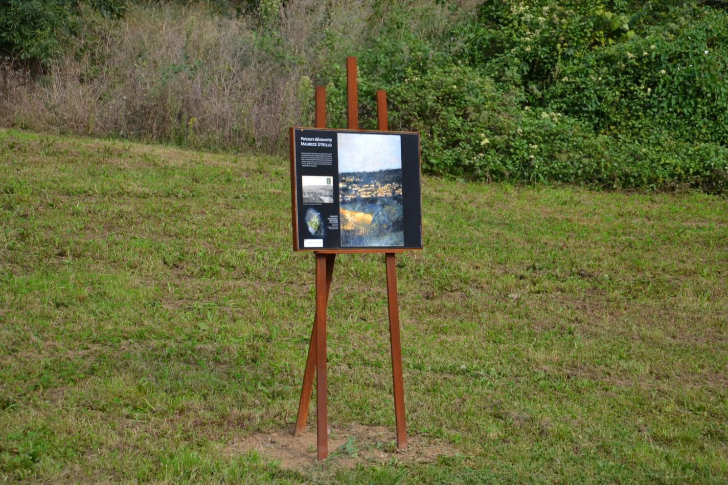 Tableau de Maurice Utrillo exposé sur la Butte Pinson