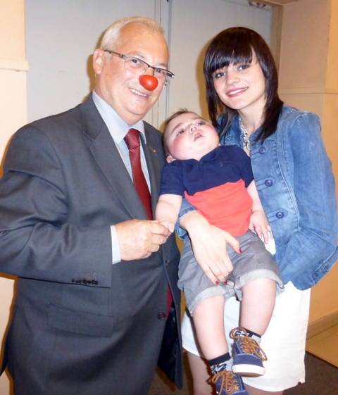 Monsieur Nez Rouge avec Ayden et sa maman