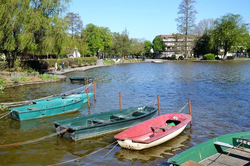 Le lac d'Enghien depuis la presqu'île-aux-fleurs (avril 2021)