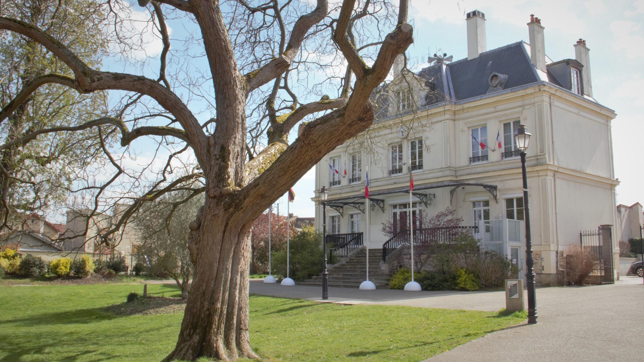 Mairie de Groslay (avril 2021 - photo de Patrick Danielou)