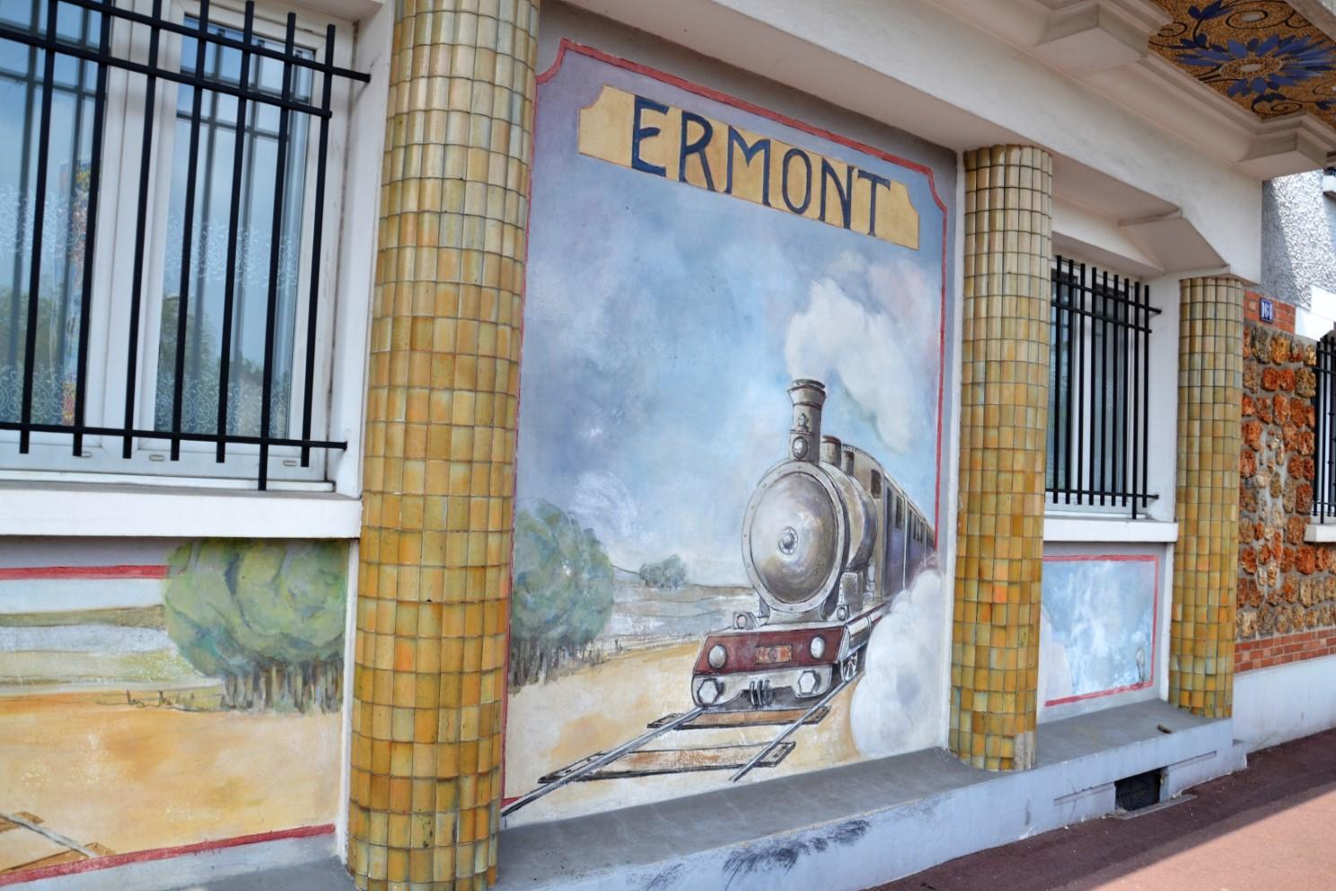Avril 2019 - Fresque : l'arrivée du train à Ermont (au carrefour de la rue Saint-Gratien et de la rue de la Gare)