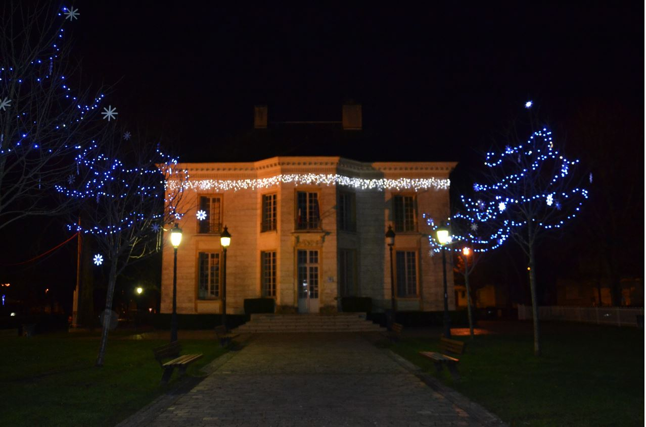 Illuminations à Eaubonne - Hôtel de Mézières (décembre 2019)