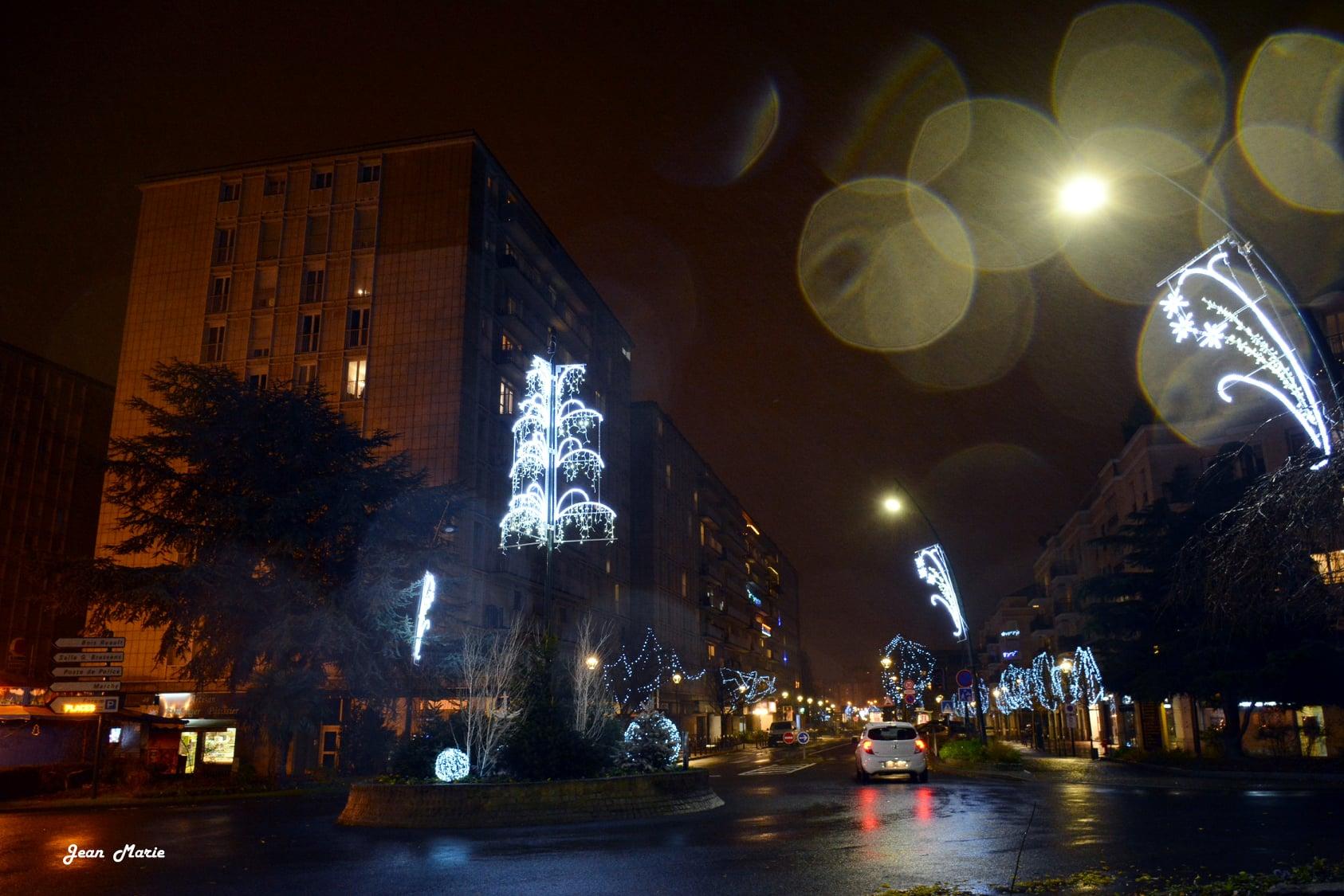 Illuminations de Saint-Gratien (décembre 2020 - photo de Jean-Marie Perdrial)