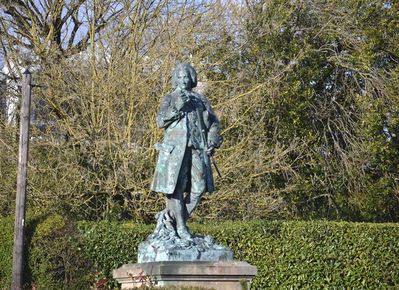 Statue de Jean-Jacques Rousseau à Montmorency (mars 2021)