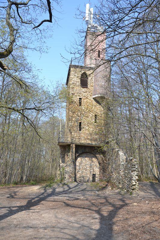 La tour du Plumet dans la Forêt de Montmorency (avril 2021)